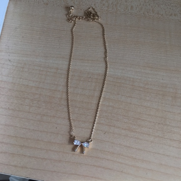 Forever 21 Jewelry - Bow necklace